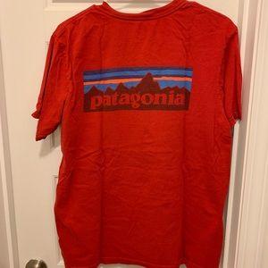 Patagonia Men's Red Medium T-shirt